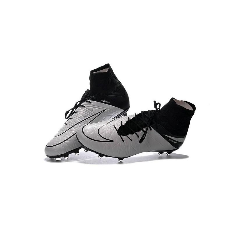 best website 322a5 deb3c Nike HyperVenom Phantom II FG Men s Firm-Ground Soccer Cleats Light Bone  Black