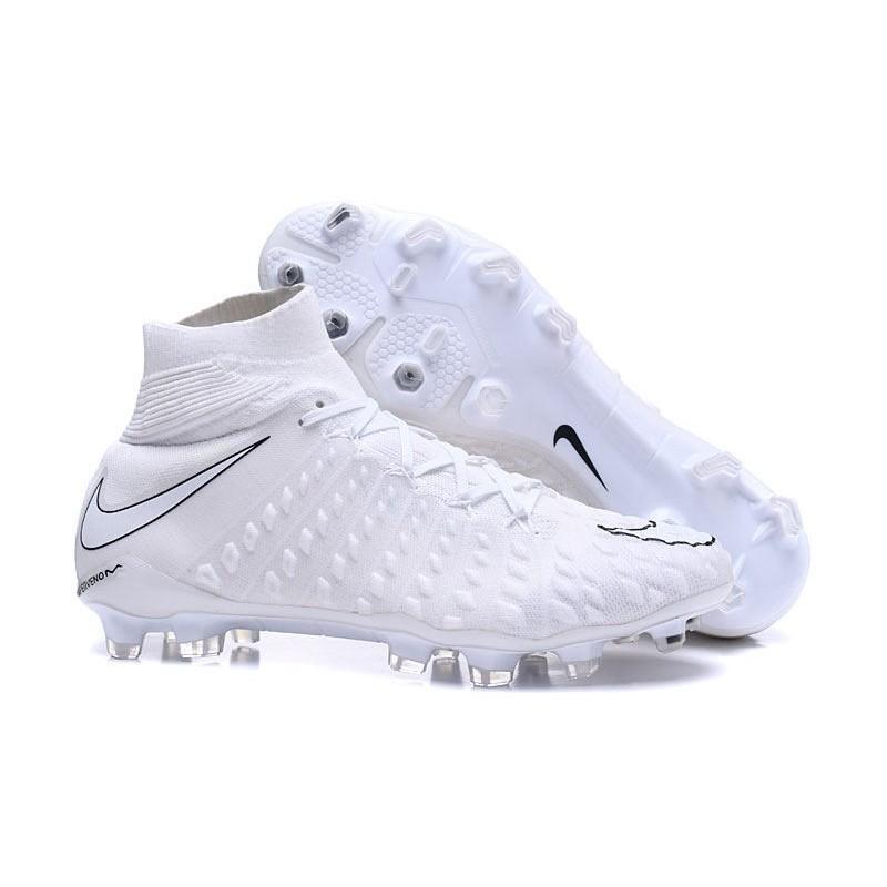 Nike Hypervenom Phantom III FG Football